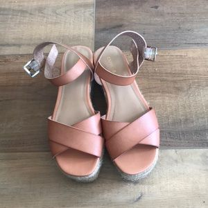 Express espadrilles in size 8!
